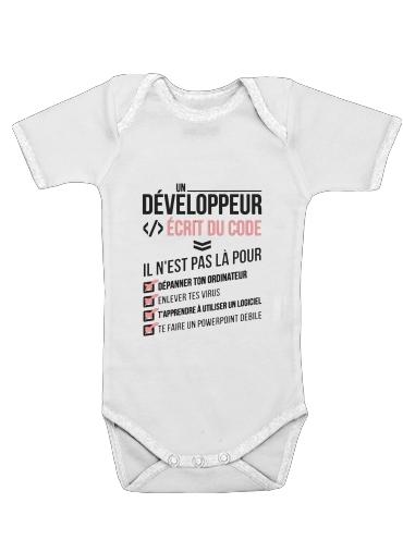 Un developpeur ecrit du code Stop für Baby Body