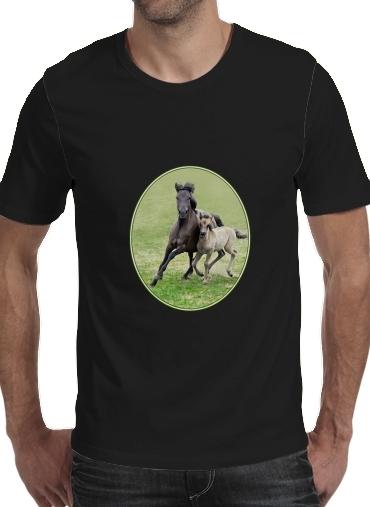Horses, wild Duelmener ponies, mare and foal voor Mannen T-Shirt